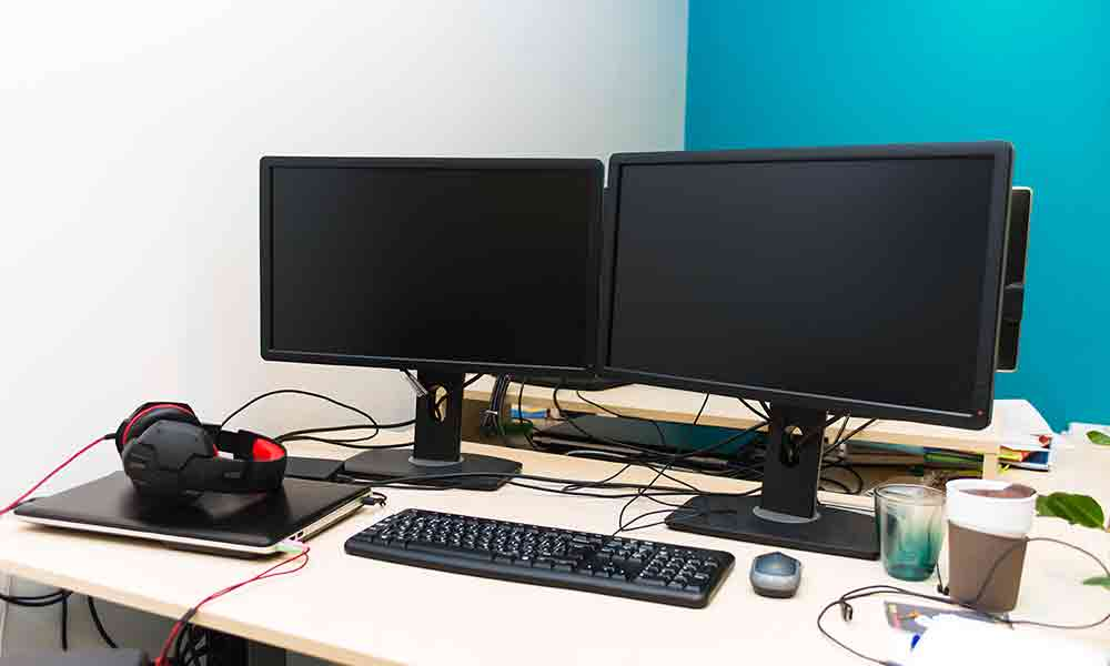 Admirable How To Set Up Dual Monitors At Your Home Or Office Necl Home Interior And Landscaping Dextoversignezvosmurscom