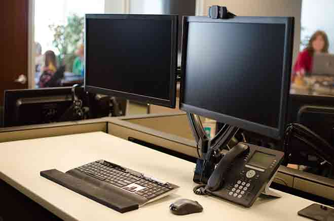 How to Set Up Dual Monitors at Home or at the Office!